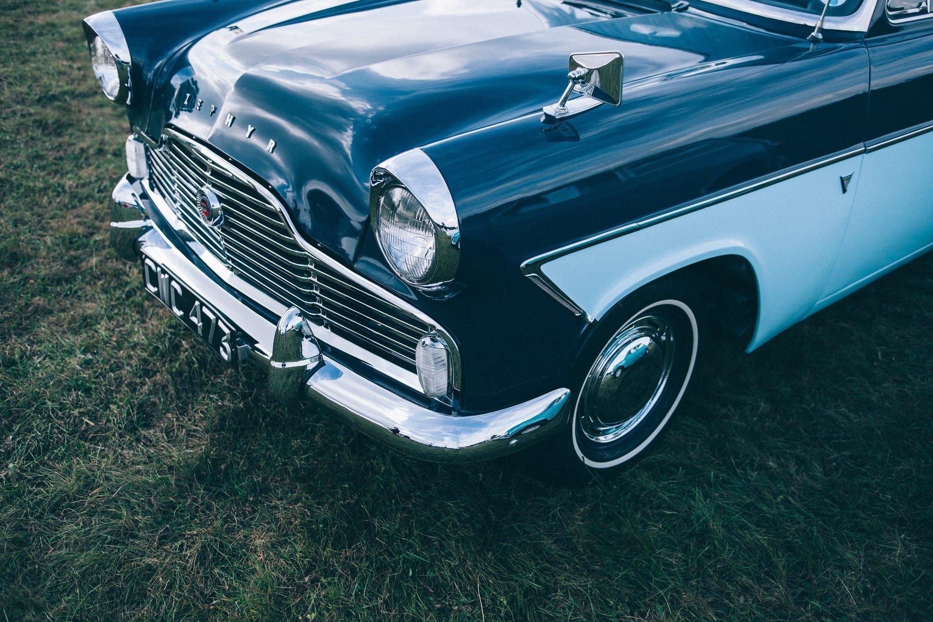 blue-marine-white-classic-car