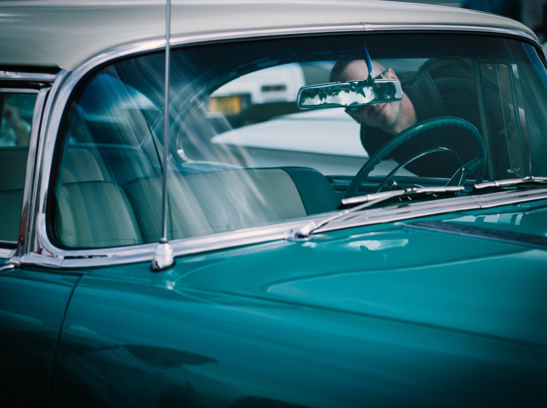 blue-window-car